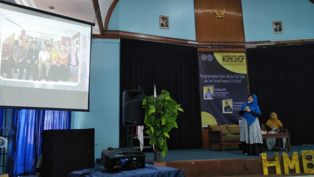 Workshop Penulisan Buku dan Artikel Ilmiah di UMMI Sukabumi