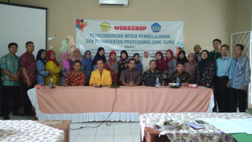 Guru-guru Ikuti Workshop  di SMPN 2 Cugenang
