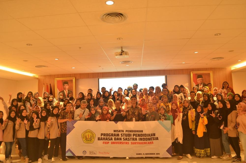 Mengunjungi  Perpusnas RI dan  Teater Koma TIM Jakarta
