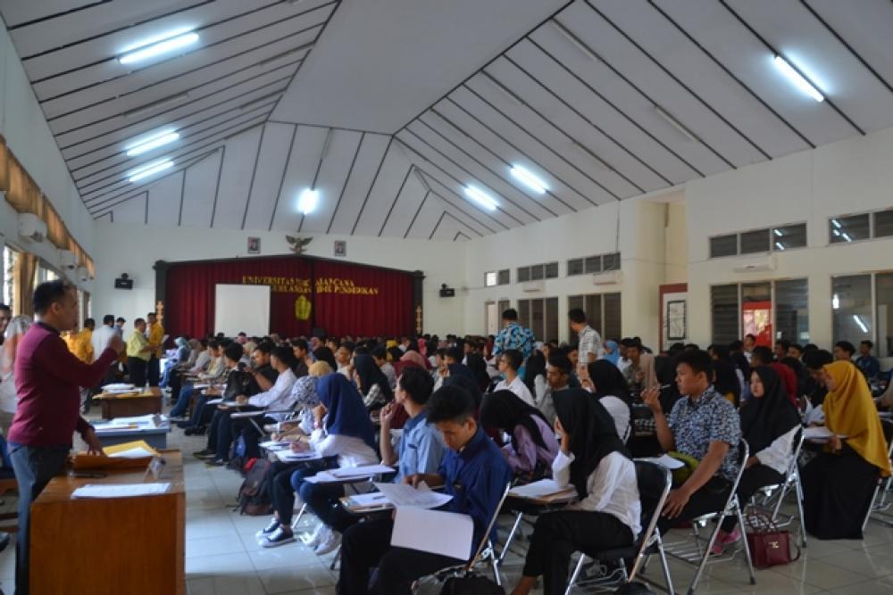 Tes PMB Gelombang 3  Tahun Akademik 2018-2019 di Ikuti 215 mahasiswa/mahasiswi