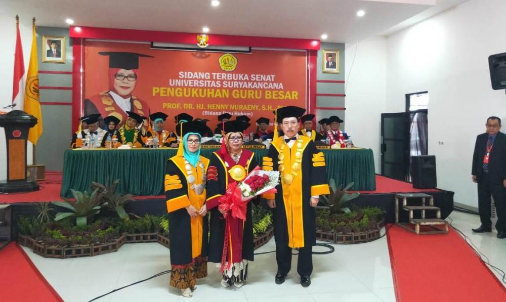 PENGUKUHAN GURU BESAR FAKULTAS HUKUM UNSUR PROF. DR. HJ. HENNY NURAENY, SH, MH