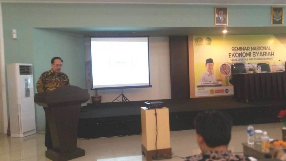 Rektor Buka Seminar Nasional Halal Lifestyle