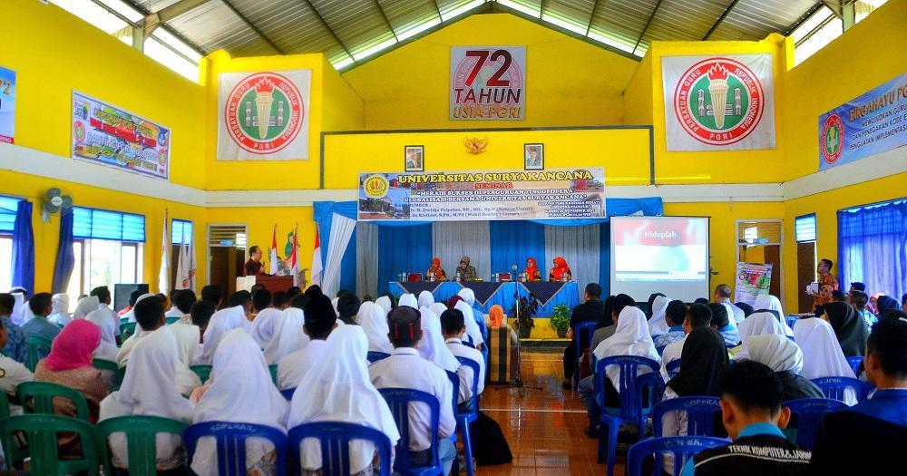 """Seminar """"Meraih Sukses di Perguruan Tinggi di Era Globalisasi Bersama Universitas Suryakancana"""""""