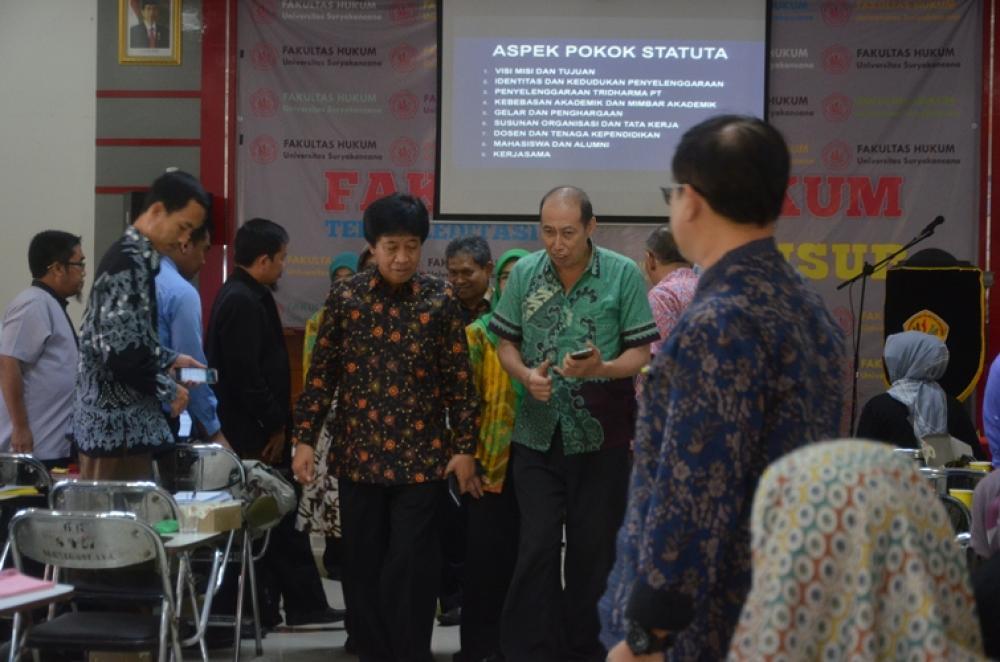 Unsur Tuan Rumah Bimtek Penyusunan Statuta PT se Wilayah Bogor, Cianjur, Sukabumi, Bekasi dan Depok